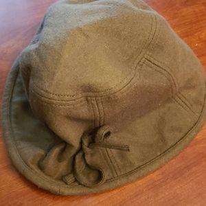 Reversible Wool Felt Cloche Hat  Green & Black EUC